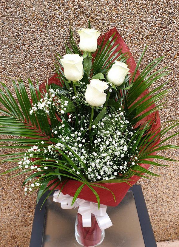 SONRISA-DULCE-Rosas blancas Floristería macheri jerez